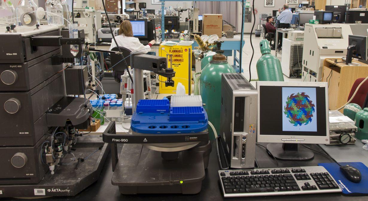 mass spec equipment in Burlingame Lab